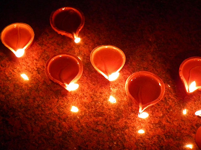 640px-Happy_Diwali_-_Festival_of_light